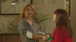 Steph Scully, Summer Hoyland in Neighbours Episode 6013