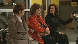 Susan Kennedy, Lyn Scully, Rebecca Napier in Neighbours Episode 6014