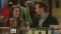 Libby Kennedy, Lucas Fitzgerald in Neighbours Episode 6014