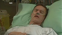 Paul Robinson in Neighbours Episode 6015