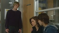 Andrew Robinson, Rebecca Napier, Declan Napier in Neighbours Episode 6015