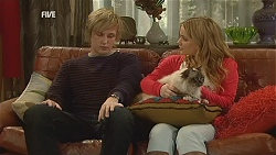 Andrew Robinson, Natasha Williams, Cat in Neighbours Episode 6015