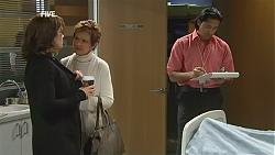 Rebecca Napier, Susan Kennedy, Doug Harris in Neighbours Episode 6016