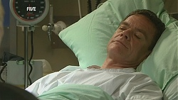 Paul Robinson in Neighbours Episode 6016