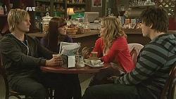 Andrew Robinson, Summer Hoyland, Natasha Williams, Chris Pappas in Neighbours Episode 6017