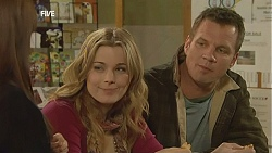 Summer Hoyland, Natasha Williams, Michael Williams in Neighbours Episode 6018