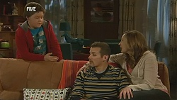 Callum Jones, Toadie Rebecchi, Sonya Mitchell in Neighbours Episode 6020