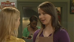 Donna Freedman, Kate Ramsay in Neighbours Episode 6021