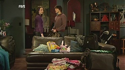 Kate Ramsay, Declan Napier in Neighbours Episode 6021