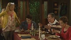 Donna Freedman, Zeke Kinski, Karl Kennedy, Susan Kennedy in Neighbours Episode 6021