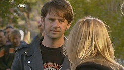 Larry Woodhouse (Woody), Steph Scully in Neighbours Episode 6023