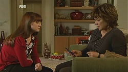 Summer Hoyland, Lyn Scully in Neighbours Episode 6024