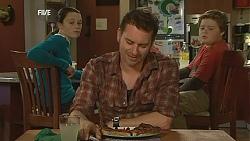 Sophie Ramsay, Lucas Fitzgerald, Callum Jones in Neighbours Episode 6024