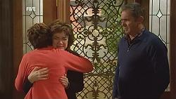 Susan Kennedy, Lyn Scully, Karl Kennedy in Neighbours Episode 6024