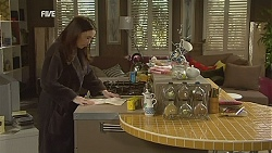 Libby Kennedy in Neighbours Episode 6024