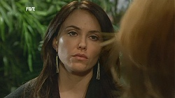 Libby Kennedy, Steph Scully in Neighbours Episode 6024