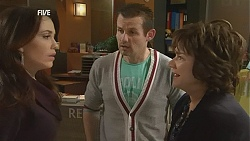 Libby Kennedy, Toadie Rebecchi, Lyn Scully in Neighbours Episode 6026