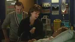 Toadie Rebecchi, Lyn Scully, Steph Scully in Neighbours Episode 6026
