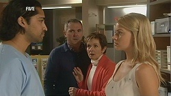 Doug Harris, Karl Kennedy, Susan Kennedy, Donna Freedman in Neighbours Episode 6026
