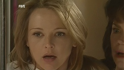 Steph Scully, Lyn Scully in Neighbours Episode 6026