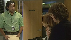 Doug Harris, Steph Scully, Lyn Scully in Neighbours Episode 6026
