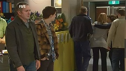 Karl Kennedy, Zeke Kinski, Police Officer, Steph Scully, Lyn Scully, Toadie Rebecchi in Neighbours Episode 6026