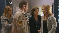 Sonya Mitchell, Toadie Rebecchi, Lyn Scully, Steph Scully in Neighbours Episode 6027