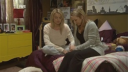 Donna Freedman, Steph Scully in Neighbours Episode 6027