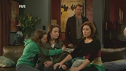 Sophie Ramsay, Kate Ramsay, Lucas Fitzgerald, Rebecca Napier in Neighbours Episode 6028