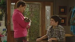 Susan Kennedy, Cat, Zeke Kinski in Neighbours Episode 6028