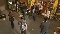 Callum Jones, Declan Napier, Zeke Kinski, Lucas Fitzgerald, Toadie Rebecchi, Karl Kennedy in Neighbours Episode 6028