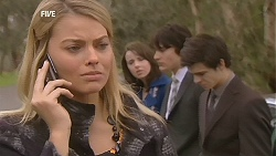 Donna Freedman, Kate Ramsay, Declan Napier, Zeke Kinski in Neighbours Episode 6032