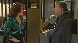 Rebecca Napier, Paul Robinson in Neighbours Episode 6032