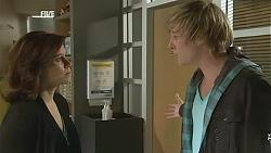 Rebecca Napier, Andrew Robinson in Neighbours Episode 6033