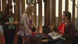 Summer Hoyland, Natasha Williams, Lucas Fitzgerald in Neighbours Episode 6033