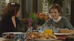 Rebecca Napier, Susan Kennedy in Neighbours Episode 6033