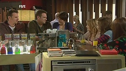 Lucas Fitzgerald, Michael Williams, Ruby Rogers, Natasha Williams, Poppy Rogers, Summer Hoyland in Neighbours Episode 6033