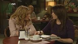 Natasha Williams, Libby Kennedy in Neighbours Episode 6035