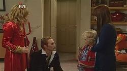 Natasha Williams, Andrew Robinson, Charlie Hoyland, Summer Hoyland in Neighbours Episode 6035