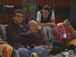 Mark Gottlieb, Lucy Robinson, Luke Handley in Neighbours Episode 2418