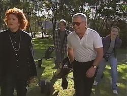 Cheryl Stark, Brett Stark, Lou Carpenter, Libby Kennedy in Neighbours Episode 2418