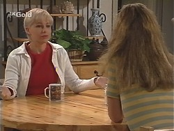 Lucy Robinson, Hannah Martin in Neighbours Episode 2419