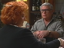 Cheryl Stark, Lou Carpenter in Neighbours Episode 2422