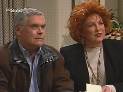 Lou Carpenter, Cheryl Stark in Neighbours Episode 2422