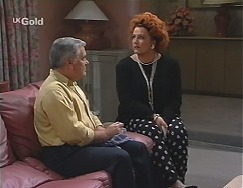 Lou Carpenter, Cheryl Stark in Neighbours Episode 2427