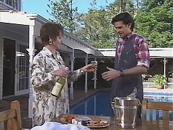 Dorris Lush, Sam Kratz in Neighbours Episode 2428