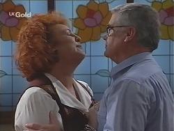 Cheryl Stark, Lou Carpenter in Neighbours Episode 2430