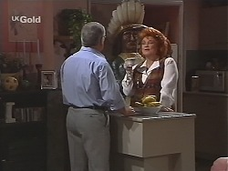 Lou Carpenter, Cheryl Stark in Neighbours Episode 2431