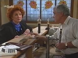 Cheryl Stark, Lou Carpenter in Neighbours Episode 2434