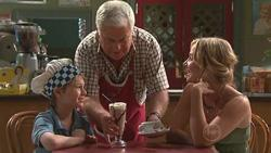 Mickey Gannon, Lou Carpenter, Kirsten Gannon in Neighbours Episode 5285
